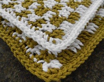 Two Crochet Cotton Dishcloths, Avocado Green Gingham, Square Dishcloth, Kitchen Dishrag, Small Dishcloth, Cottage Chic Green Dishcloth