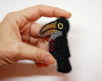 Beaded  Toucan Brooch, Bird Brooch, Beadwork, handmade, OOAK, black, yellow, red