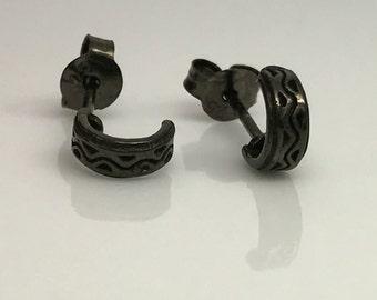Black half hoop earring, men's ear cartilage hoop, tiny huggie hoop earrings, fake double piercing, black stud earrings,  557B