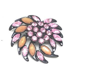 Abstract Navette Pink Rhinestones with black Enamel Settings Vintage Pin