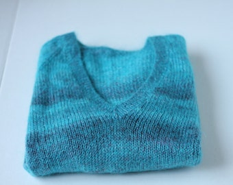 Mohair wool ombre variated blue teal v-neck sweater hand-knit simple Warm cozy