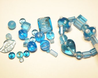 DESTASH - 0.99 Ounces Assorted Glass Beads  -- Turquoise Blue -- Some Vintage??
