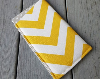 Eyeglass case yellow chevron