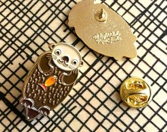Otter Pin - Lapel Pin - Enamel Pin - Shiny Gold Metal - Kawaii Flair Pin - EP2086