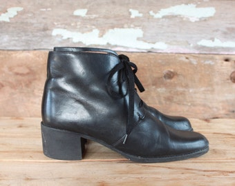 vintage black leather ankle boots | women's size 8 | chunky heel lace up boots