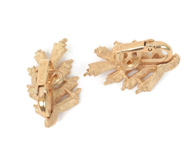 Trifari Leaf Earrings Brushed Finish Gold Tone Vintage Clip On