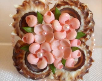 sale 15% Beautiful Vintage Brooch Craft Shell Flowers Pearl Pink Salmon Leaf Green Shells