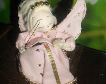 Vintage - 1950s - Pink Felt / Pipe Cleaner Angel  Decoration / Ornament