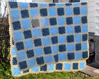 Vintage 1970s Blue & Off-White Granny Square Lap Blanket, Afghan, Throw, 41 X 62