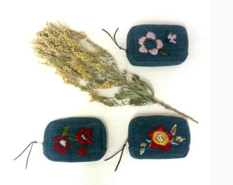 Embroidered Wallet / Zip Wallet / Wallet with Coin Pouch / Coin Purse / Hand embroidery / Fashion Wallet / Gifts for Her / Gifts under 75