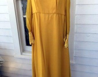 Vintage 1960s Gold Mustard long Maxi dress sheer Lace collar & Sleeves SZ L/XL