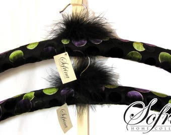 Boa Padded Hangers | Set of Two | Black & Purple | Clothes Hanger | Mother's Day Gift Idea for Mother-in-Law, Aunt, Friends | Elegant, Fun
