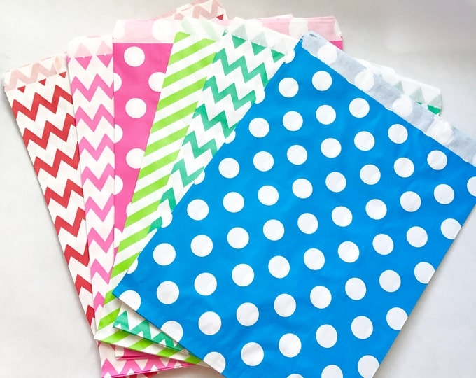 """25- ASSORTED 8""""x11"""" Paper Bags"""