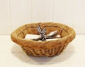 Vintage French Bread Basket, Round Proving Basket with Liner, Rustic Kitchen Decor, Photo Propr