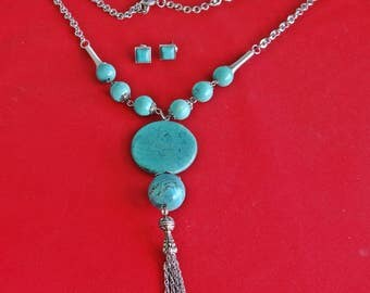 """Vintage silver tone and turquoise stone 30"""" necklace with 5"""" center fringe drape and matching .4"""" pierced earrings, appears unworn"""