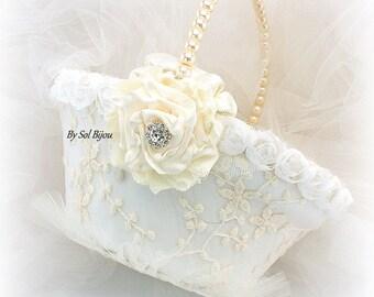 Flower Girl Basket,Ivory Basket,Cream,Lace Basket,Vintage Wedding,Pearl Basket,Elegant,Gatsby,Flower Basket,Pearl Handle,Round Basket