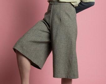 Vintage 70s Textured Gray Wool High Waist Culottes   6