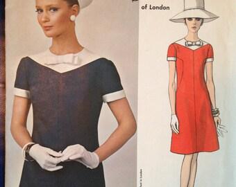 Vintage 60s Mod Dress Pattern 2 tone Belinda Bellville Vogue 1777 Couturier Design 34 bust