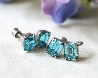 Vintage Screw Back Earrings Blue Rhinestone