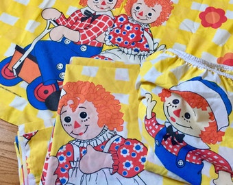 Vintage 1970s Childrens Bedding / Fashion Manor Raggedy Ann and Andy Twin Sheet Set Pillowcase, Flat and Fitted Sheet