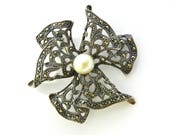 Fabulous Italian 925 silver sterling flower Brooch studded with small marcasite and pearl - elegant beauty of a timeless jewel - Art.754/4-