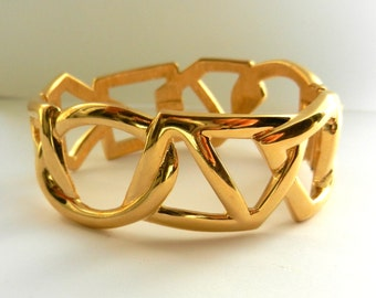 1970s Rare Vintage Monet Hinged Bracelet, Gold-Plated  Bracelet With geometric Open Designs- for collectors -Art.615/4