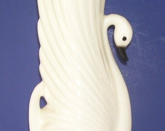 Tall Cream Graceful Swan Vase, Ceramic Swan Vase, Pottery vase, Studio Line Vase, Home Decor, Bird Sanctuary Decor, Graceful Swan