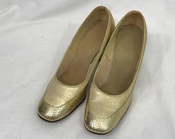 Vintage 1960s Mod  Gold Metallic Chunky Block  Swing Heels 6
