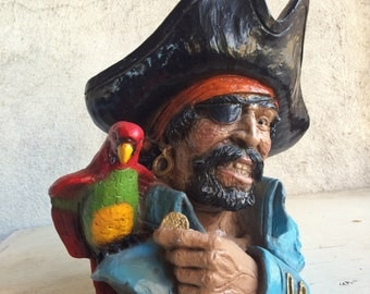 1974 V. Kendrick Universal Statuary pirate parrot bust statue man cave decor Halloween decoration