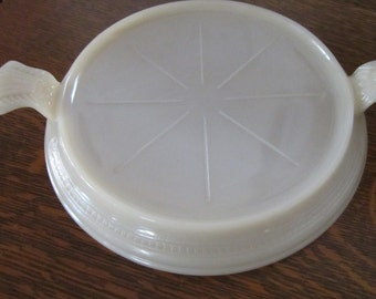 Vintage Fire King Oven Bake Trivet - Clamshell, Philbe design.  From the 1940s or earlier.