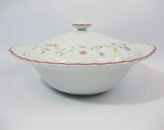 Johnson Bros. Summer Chintz Round Covered Vegetable Casserole Dish Made In England