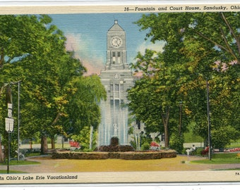 Court House Fountain Sandusky Ohio linen postcard