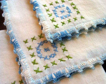 4 Matching Linen Napkins, Cross Stitch Embroidery, Small Serviettes 1313