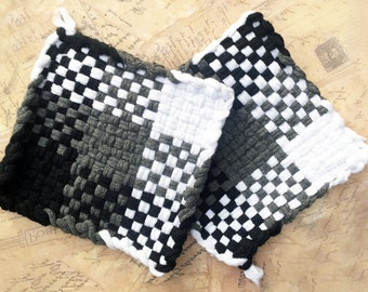 David's Potholders - Black Gray white Plaid Cotton Potholders - Hot pads - Woven Pot Holders - Cotton Trivet - Handmade - Set of 2