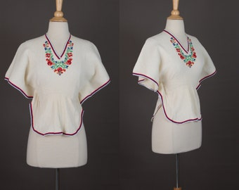 1970s embroidered blouse / vintage hippie top