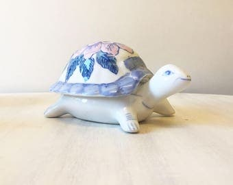Tortoise trinket pot, vintage trinket pot, tortoise figurine, trinket box, dressing table pot, jewelry box, lidded pot, tortoise collectible