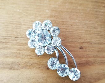Beautiful vintage crystal Clear Silver Classic Simple Flower Star Burst Brooch Pin