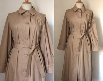 Vintage 1980s classic LONDON FOG warm beige trenchcoat / timeless single-breasted duster coat - small to medium
