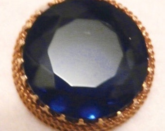Beautiful Blue Glass Setting In A Large Gold Tone Brooch