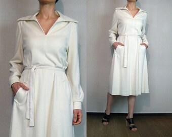 70s Winter White Wool Knit Sweater Dress Vintage 1970s Off White Ivory Wool Blend Sweater Dress Cream Knit Dress Vanilla V Neck Knit Dress