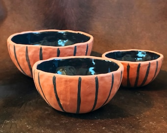 Pottery Nesting Bowls, Earthenware Stacking Bowls, Set of 3, Black and Brown Striped, Handmade Pinch Pots.