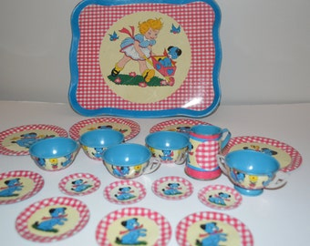 Vintage Tin toy dishes x 19 pieces - doll size cream and sugar - tray - cups and saucers - plates Ohio Art