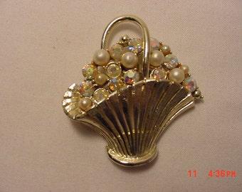 Vintage Rhinestone & Faux Pearl Flower Basket Brooch  17 - 122