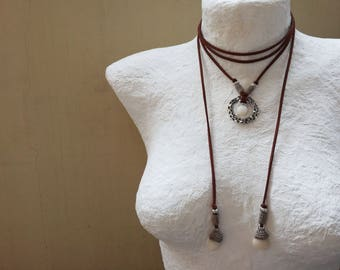 Pebble Bolo Necklace, Wrap Necklace, Simple Wrap Choker, Brown Bolo Necklace, Circle Necklace, Suede Tie Necklace, Karma Necklace