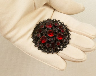 Black and Red Brooch, Ruby red rhinestones, Red lapel brooch, Mid Century, Prong set, 28 dark red stones, Round Brooch pin, Edwardian