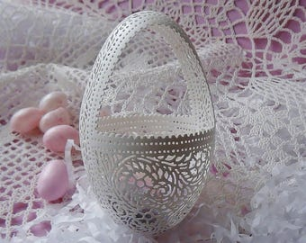 Hand Carved Victorian Lace Goose Egg Basket