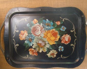 Vintage Black With Vintage Roses TOLE Serving TRAY TEA Tray With Handles Black Metal Tole Chic Serving Tray Decor Tray Romantic Vintage Chic