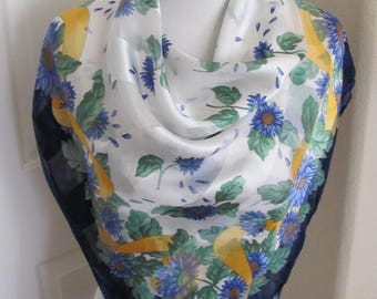 """Scarf Amazing Made in Italy // White Blue Floral Super Soft Silk Scarf // 34"""" Inch Square // Best of the Best"""