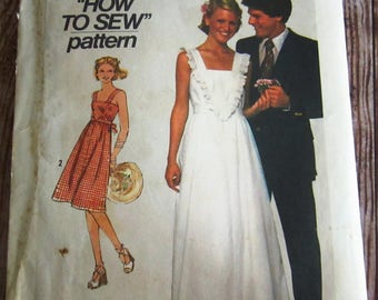 Vintage 1970s Misses Pullover Sundress in Two Lengths Size 10 Simplicity Pattern 7869 Cut/Complete