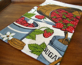 Vintage Printed Strawberry Linen Kitchen Towel 16 x 29 Perfect Unused Condition!